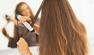 WHAT YOU SHOULD KEEP IN MIND BEFORE BUYING A HAIR STRAIGHTENER