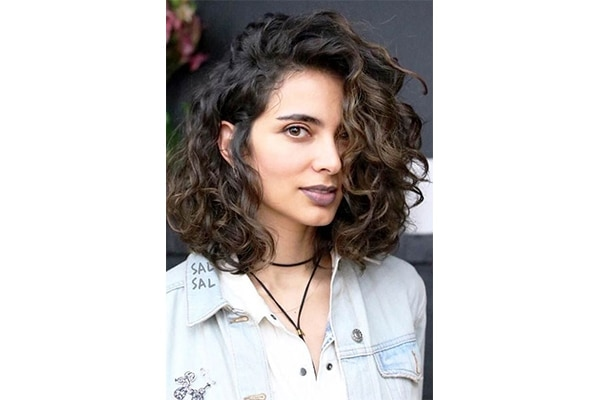 Voluminous lob hairstyles for short curly hair