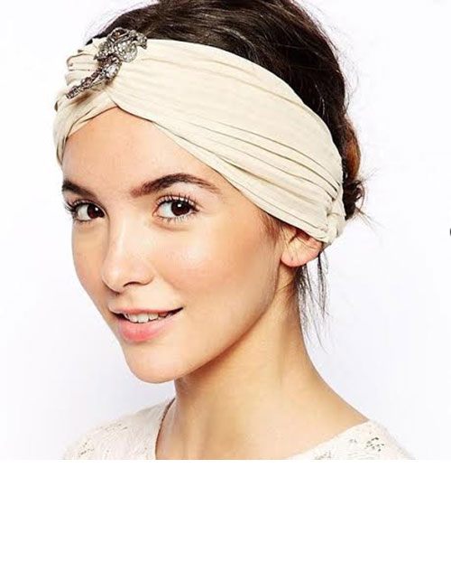 WHY THIS HAIR ACCESSORY WILL BE YOUR SAVIOUR THIS RAINY SEASON