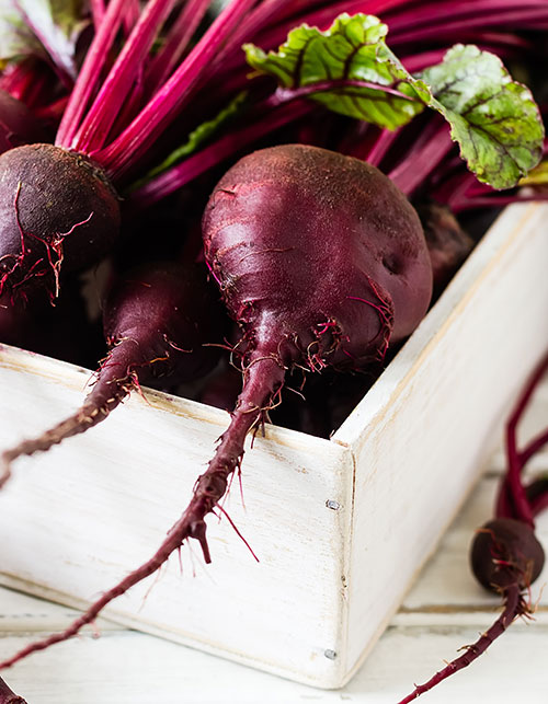 TWO WAY DIY: A BEET CHEEK AND LIPSTAIN TO MAKE AT HOME