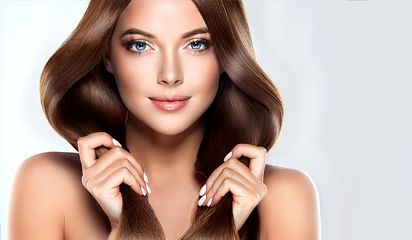 Have flat hair? Here are 3 hairdos to fake a voluminous look instantly