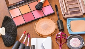 5 ways to put expired beauty products to use