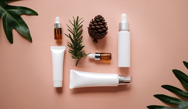 बालों और त्वचा की सेहत को सुधारने के 7 तरीक़े
