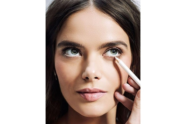 Extend to lower lash line