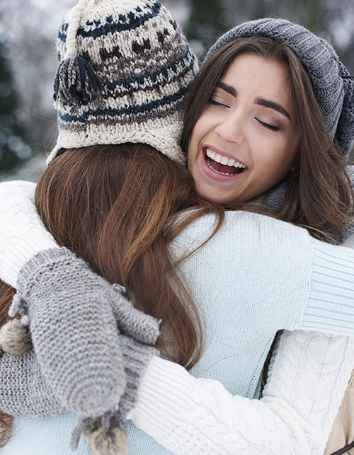 HERE'S WHY A MAN CAN NEVER REPLACE YOUR GAL PALS THIS HOLIDAY SEASON
